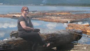 Une partie du port de Kitimat qui accueille pour l'instant des convois de bois coupés.