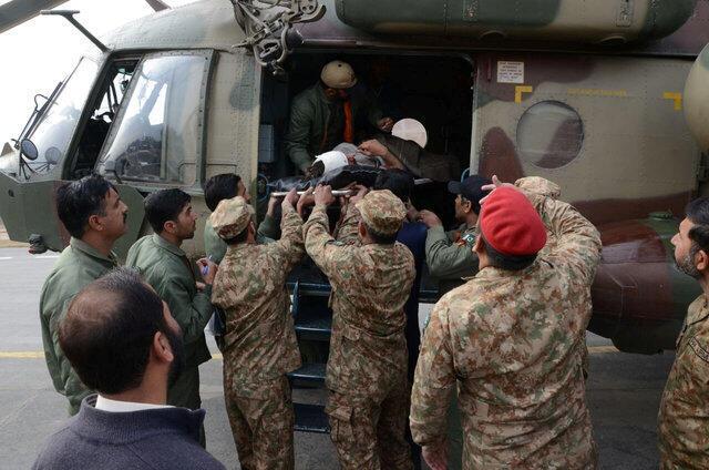 巴軍方運送帕拉什納爾爆炸案傷員2017年1月21日白沙瓦