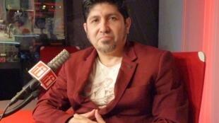 El poeta peruano Leo Zelada