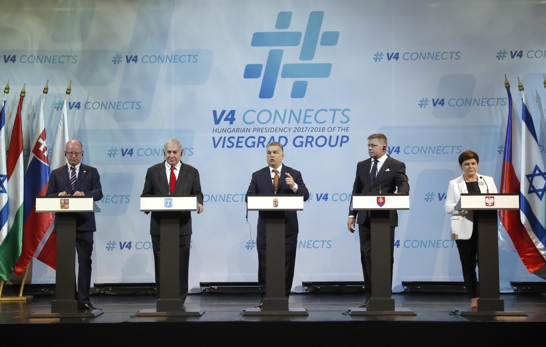 Le Premier ministre israélien Benyamin Netanyahu et les membres du groupe de Visegrad lors d'une précédente rencontre à Budapest.