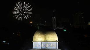 Des feux d'artifice au-dessus de la vieille ville de Jérusalem, le 18 avril, pour fêter les 70 ans d'Israël.