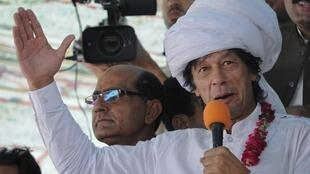 Imran Khan, head of Pakistan Tehreek-e-Insaf, addressing his supporters in Musa Khel, 6 October, 2012