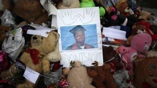 Mémorial, en hommage à Michael Brown, le 10 octobre 2014 à Ferguson.
