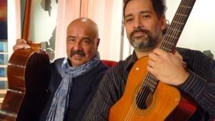 El actor y cantante chileno Wladimir Beltrán y el guitarrista argentino Javier Díaz González
