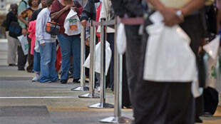 Une file de chômeurs à la recherche d'un emploi, à Baltimore, le 17 septembre 2009.