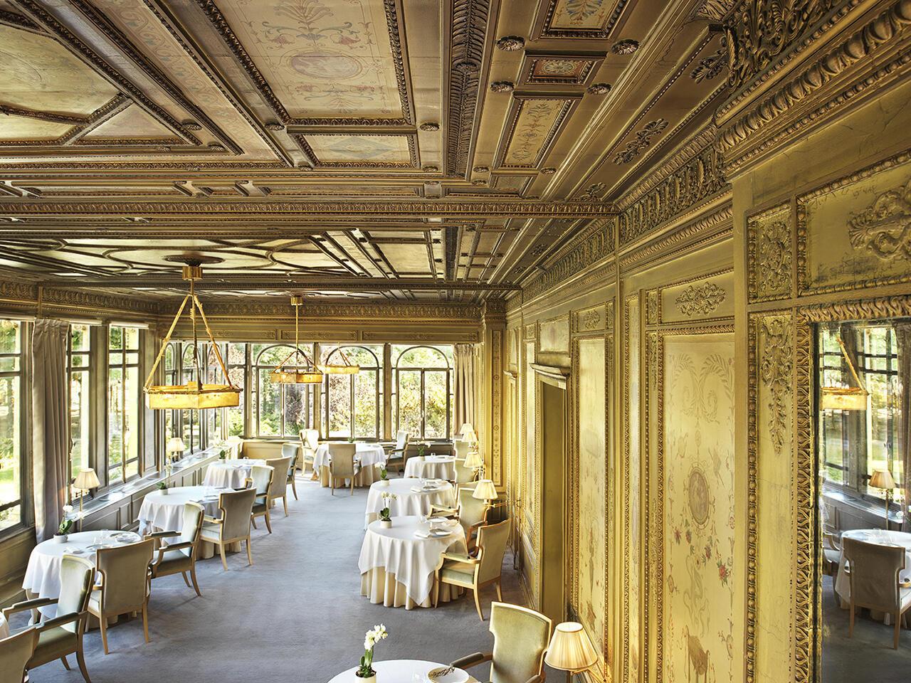 Исторические рестораны Парижа. Ресторан Le Doyen, Елисейские поля.