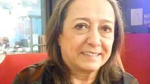 La galerista colombiana Ana Patricia Gómez Jaramillo en los estudios de RFI en París.