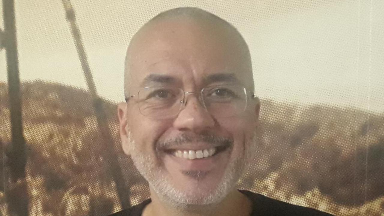 """Eduardo Lamas, autor de """"Contos da bola""""."""