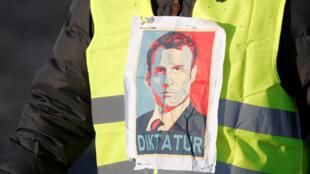 De nombreux «gilets jaunes» demandent l'instauration d'un «référendum d'initiative populaire».