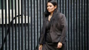 La ministre de l'Intérieur britannique Priri Patel est sous le feu des critiques après la suppression accidentelle de milliers de données cruciales pour le travail de la police.