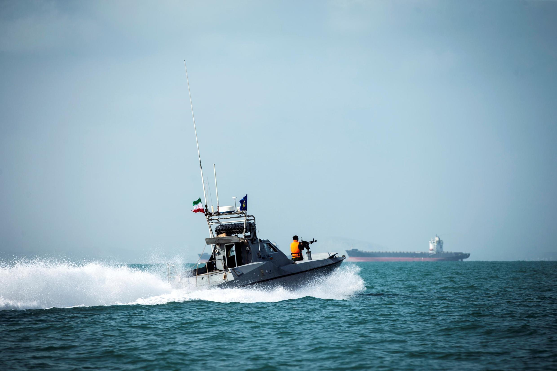 یک قایق تندروی سپاه پاسداران در خلیج فارس