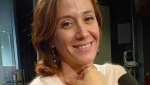 Ludmila Pagliero en los estudios de RFI