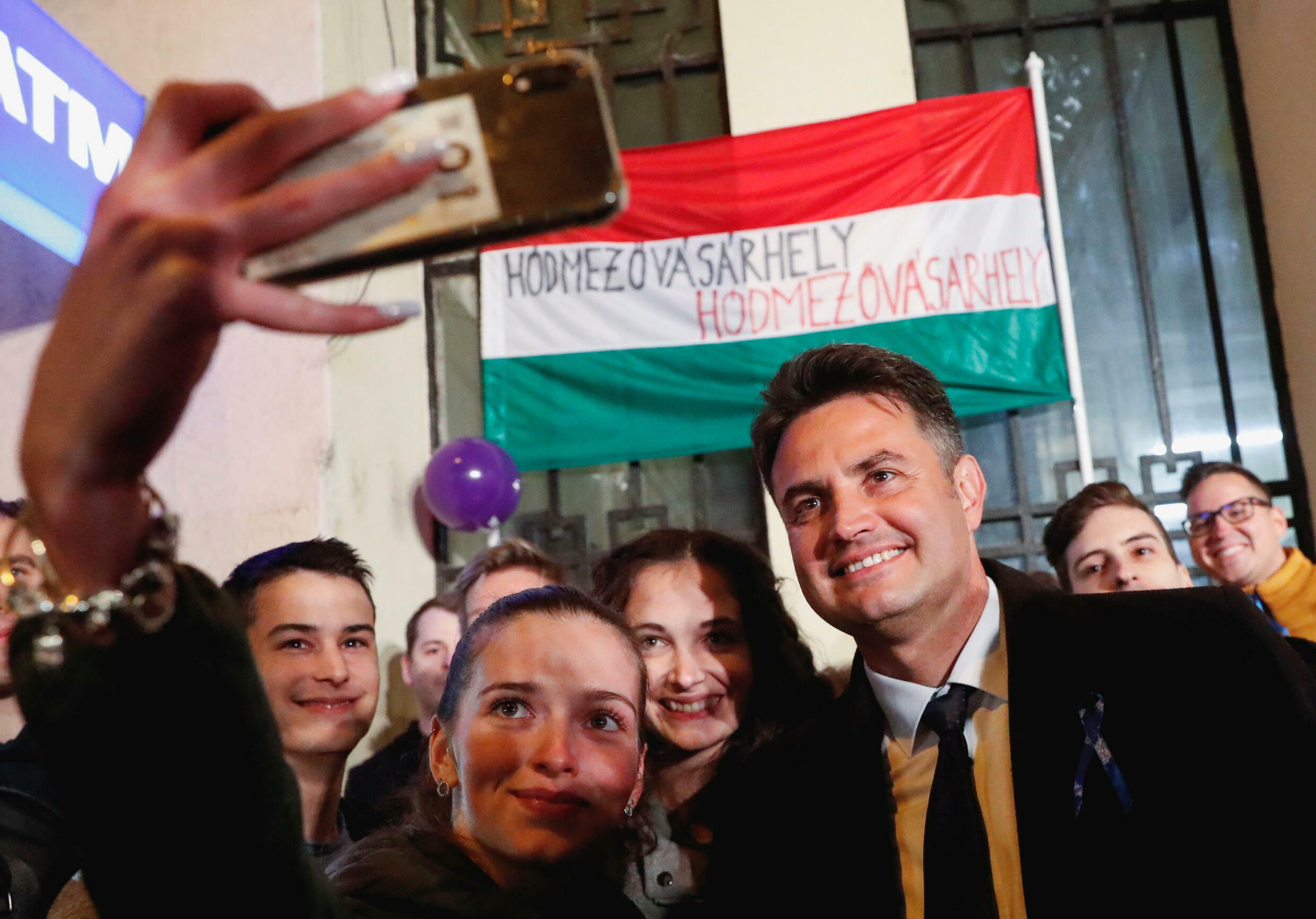 2021-10-17T194724Z_1095472634_RC2VBQ9ZWUG2_RTRMADP_3_HUNGARY-ELECTION-OPPOSITION