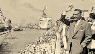 Gamal Abdel Nasser en 1956 au canal de Suez.