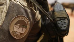 Exército francês foi visado ontem por ataques simultâneos em três bases militares no norte do Mali.