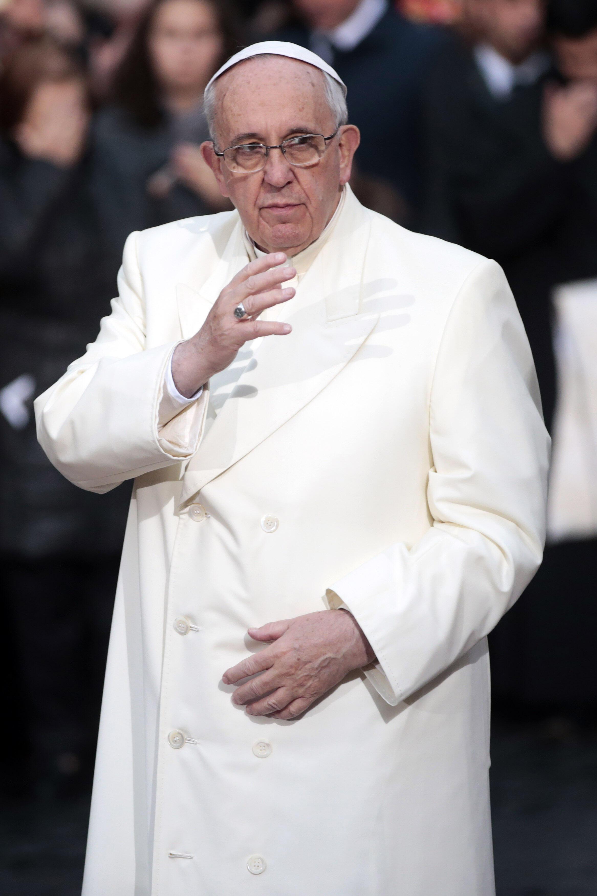 O Vaticano divulgou a primeira mensagem de paz do Papa Francisco, que será lida nas igrejas do mundo no dia 1° de janeiro de 2014.