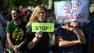 Manifestação contra a violência feita às mulheres pedindo medidas imediatas e mais recursos para lutar contra o feminicídio. Paris 06/07/19