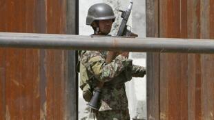 Dois soldados foram mortos e sete ficaram feridos no ataque desta segunda-feira ao Ministério da Defesa do Afeganistão, em Cabul