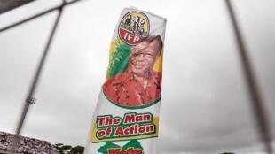 Une pancarte de l'Inkatha Freedom Party lors d'un meeting électoral du parti zoulou à Durban, en mars 2019.