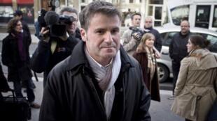 Farmer Paul Francois arrives at Lyon court on Monday