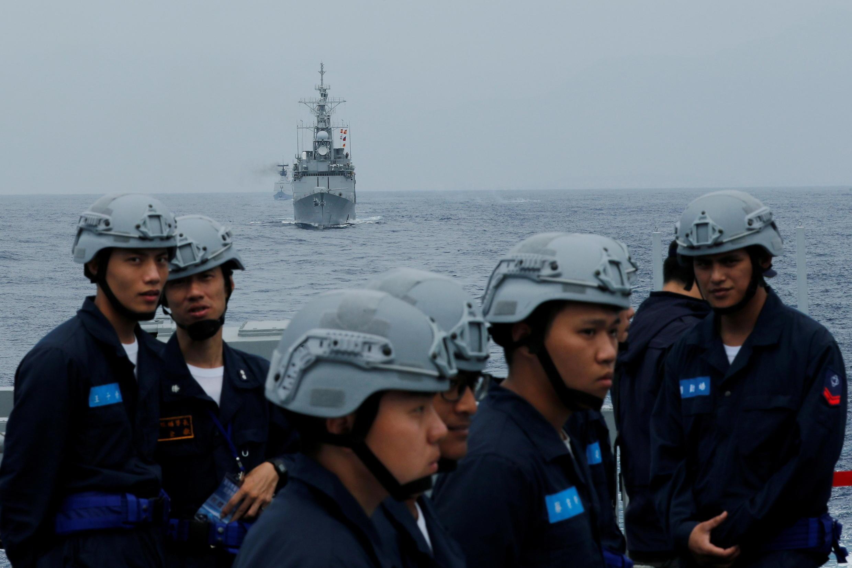 Khu trục hạm tên lửa dẫn đường  Cơ Long (Kee Lung DDG-1801) và các chiến hạm Đài Loan tập trận gần Hoa Liên (Hualien). Ảnh tư liệu chụp ngày 22/05/2019.