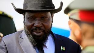 Shugaban Sudan ta Kudu Salva Kiir a lokacin da ya sauka a filin jiragen sama na kasar Sudan. 1 ga Nuwamba, 2017