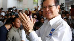 Kem Sokha (photo) sera jugé pour «un plan secret et une conspiration passée avec des étrangers», a déclaré le tribunal de Phnom Penh.
