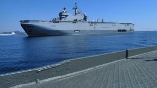 Mistral, tàu chiến lớn của Hải quân Pháp chỉ đứng sau chiến hạm Charles de Gaulle.
