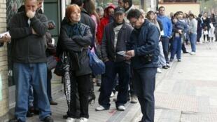 Las filas ante las agencias para el empleo podrían alargarse.