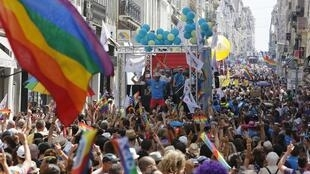 Евро-гей-прайд парад в Марселе 20/07/2013