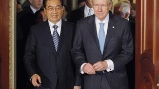 Antes de ser recebido pelo Congresso americano, Hu Jintao se encontrou com o líder da maioria no Senado, o democrata Harry Reid.