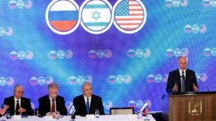 دیدار میان جان بولتون، رئیس شورای امنیت ملی آمریکا، نیکلای پاتروشِف، دبیر شورای امنیت روسیه وهمتای اسرائیلی آنان، مییِر بن شبات، از سوی نخست وزیر اسرائیل «تاریخی» خوانده شده بود.