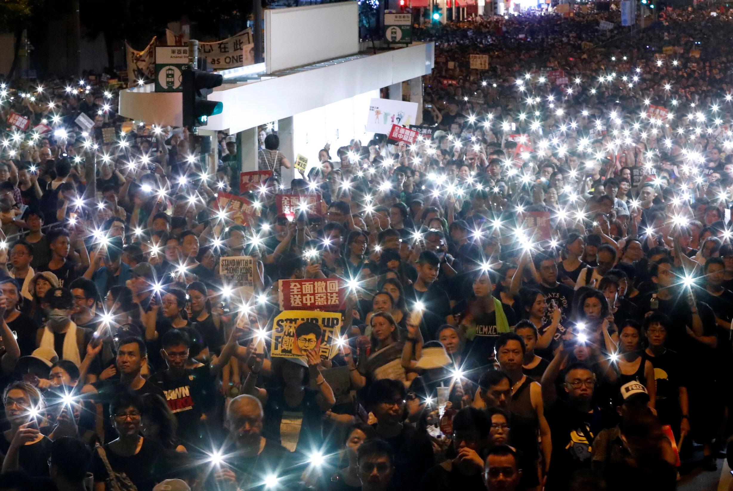 此景不再,香港民陣公布2019年七一遊行參與人數為55萬人。