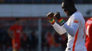 L'attaquant sénégalais Papiss Cissé rugit toujours à 35 ans.