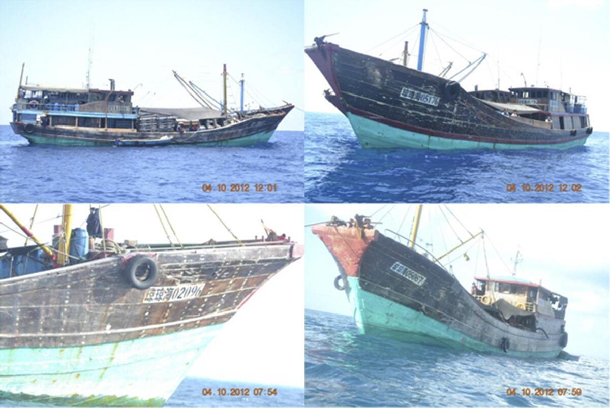 Các tàu đánh cá Trung Quốc xâm nhập vùng biển ở bãi Scarborough ở cách đảo Luzon của Philippines 124 hải lý, mà Trung Quốc gọi là Hoàng Nham. Ảnh chụp ngày 10/04/2012.
