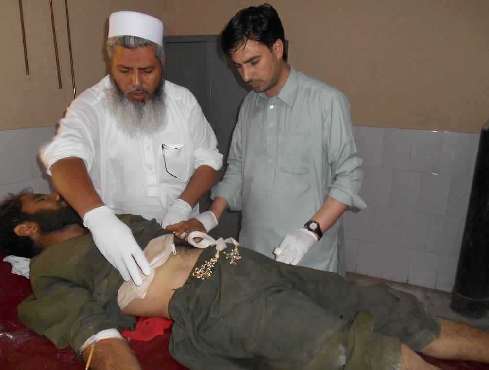 巴基斯坦發生恐襲受傷者接受治療,2016年9月16