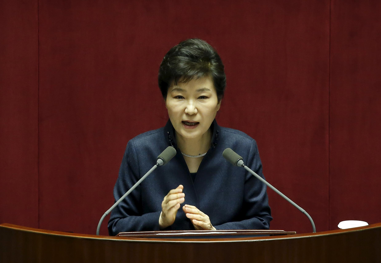 Tổng thống Hàn Quốc Park Geun-hye phát biểu trước Quốc Hội ngày  16/02/2016.
