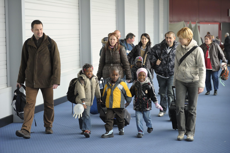En décembre dernier, des centaines d'orphelins en provenance d'Haïti arrivaient en France.