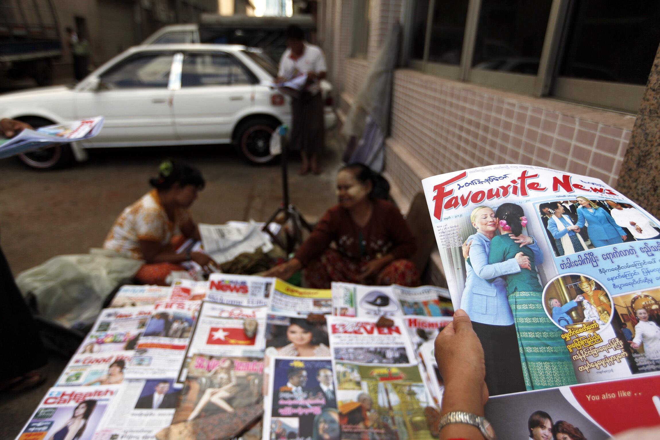 Một điểm bán báo tại Rangoon, ngày 03/12/2011