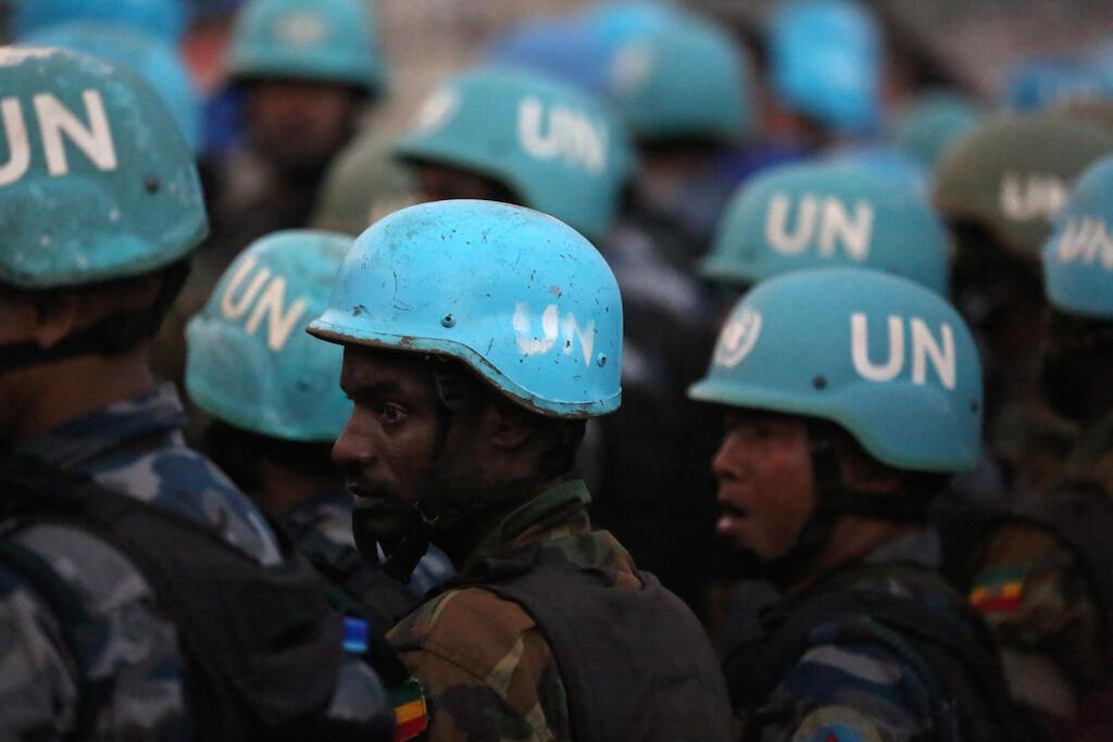 Capacetes azuis da UNMISS - Missão das Nações Unidas no Sudão do Sul