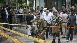 Police seal off the site of the Delhi blast