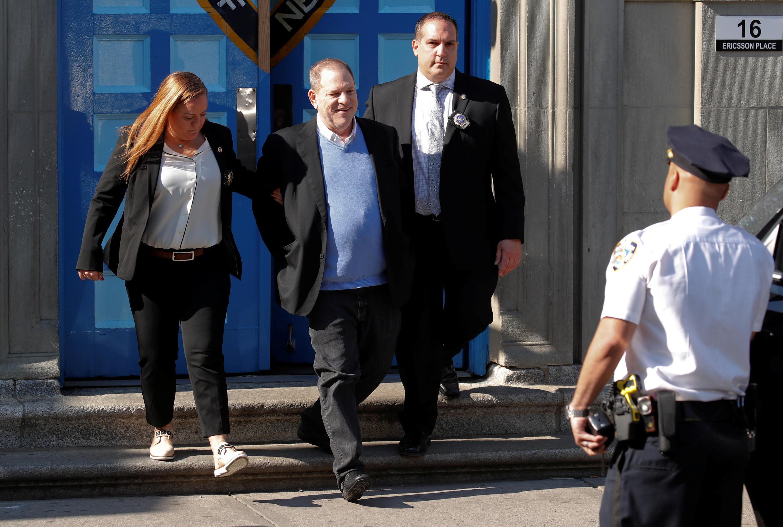 El productor Harvey Weinstein, detenido e inculpado por violación, el 25 de mayo de 2018 en Manhattan.