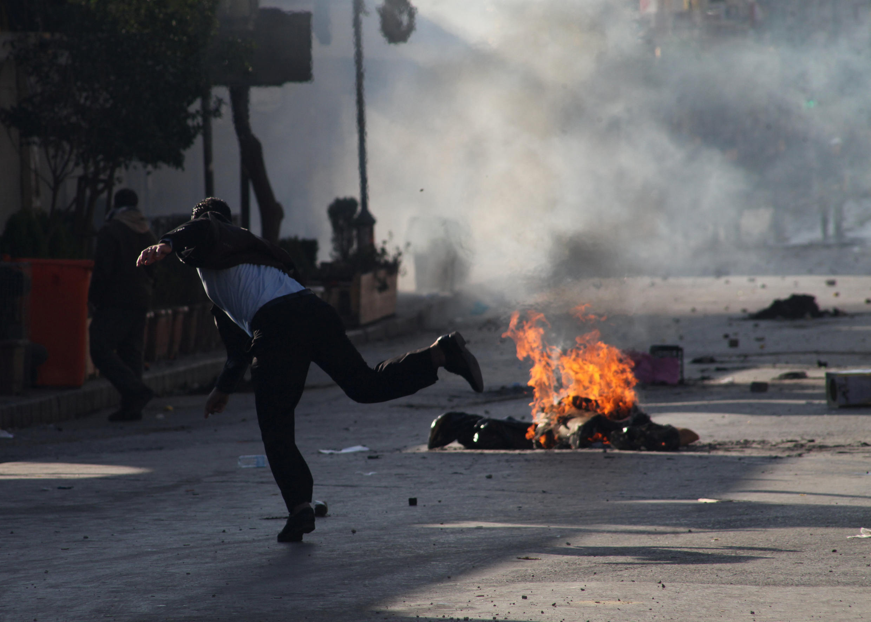 Comme lundi, les manifestations ont dégénéré mardi 19 décembre, à Souleymanieh, dans le nord-est du Kurdistan.