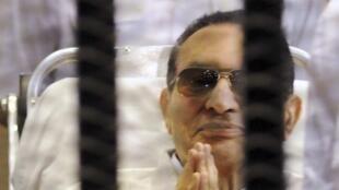 Hosni Moubarak à son audience le 13 avril 2013 au Caire.