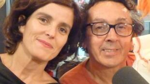 Anna Fernández y Santi Arnal en los estudios de RFI en París.
