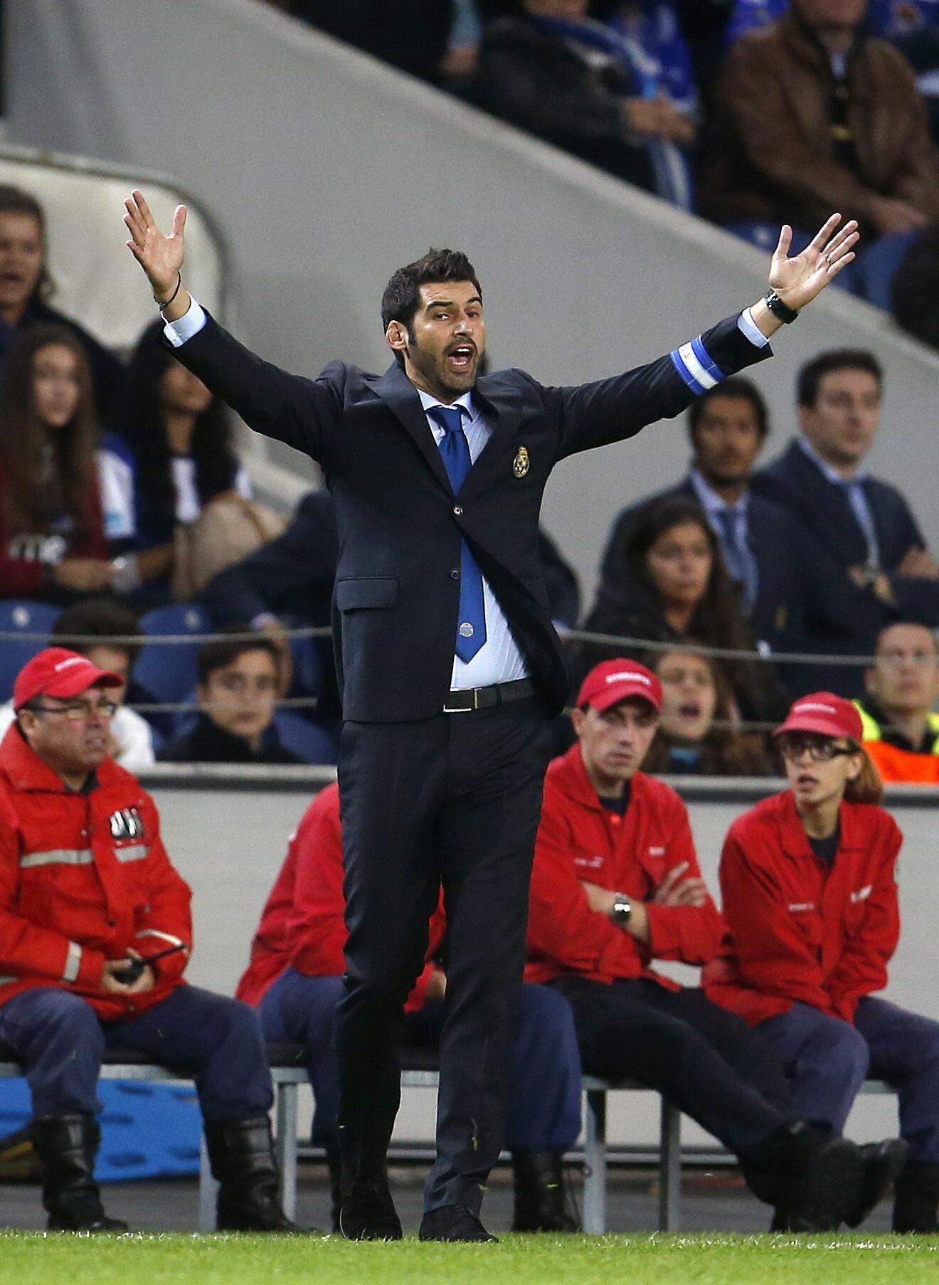 Paulo Fonseca viu o Porto registar a pior prestação europeia de sempre no Estádio do Dragão