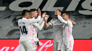 Le Real Madrid dans le sillage de Karim Benzema (2e à droite) s'est offert le clasico contre le Barça au stade Alfredo di Stefano, le 10 avril 2021