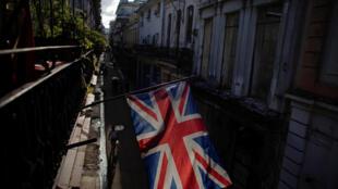 Cờ Vương quốc Anh bên ngoài một nhà hàng ở thủ đô La Habana, Cuba ngày 20/03/2019.