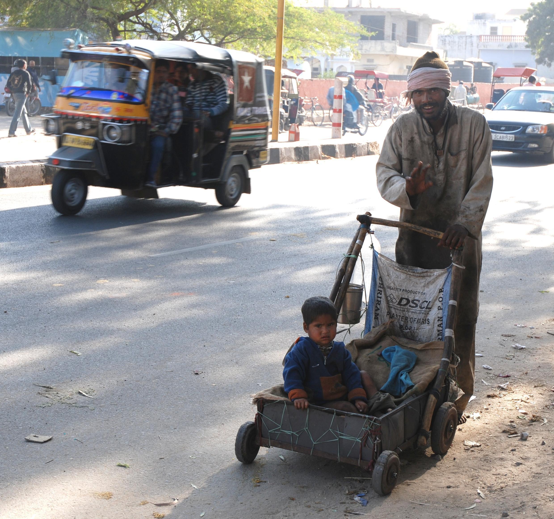 """Một người thuộc tầng lớp """"Dalit"""" tại Jaipur, Ấn Độ."""