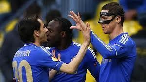 Baadhi ya wachezaji wa Chelsea wakipongezana